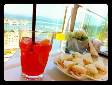 aperitivo sulla terrazza lounge