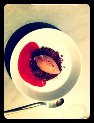 cremoso al cioccolato con crema di lamponi e zenzero