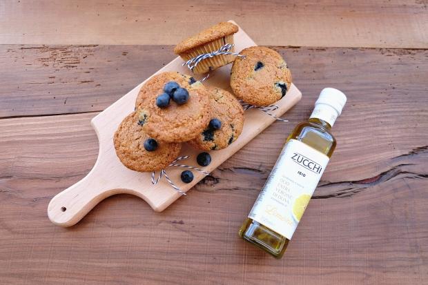 ricetta-muffin-mirtilli-con-olio-al-limone-zucchi